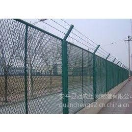 供应钢板网护栏|隔离网|钢板网规格|冠成钢板网