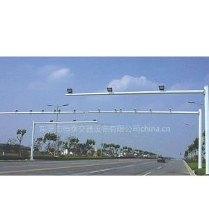 广州龙门架装测速设备、珠海高速公路标志牌、东莞交通标志杆多少钱一根?惠州监控杆含防水箱,中山F牌立杆