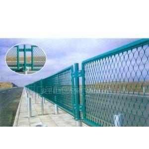 供应桥梁护栏网,勾花护栏网,刺绳护栏网,钢板网状护栏网