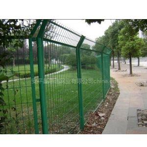 供应厂家热销道路护栏网!浸塑护栏网规格,波浪护栏网价格