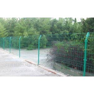 供应供应新疆双边丝护栏网,专业生产护栏网厂家,护栏网的安装