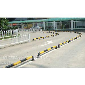 供应U型护栏多少钱一米?U型铁护栏高度可以定做吗?U型护栏尺寸?
