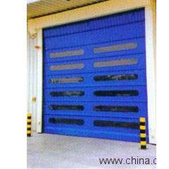 上海高藤门业供应快速卷门 它由帘板、座板、导轨、支座、卷轴、箱体、控制箱、卷门机、限位器、门楣、手动