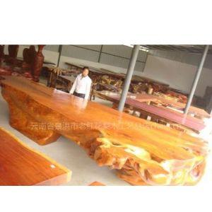 供应老挝超大草花梨5.3米树根桌台