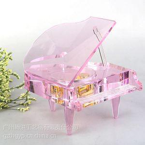 沈阳市区水晶钢琴图片,沈阳音乐盒水晶钢琴厂家,结婚庆典纪念品水晶钢琴礼品制作