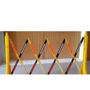 供应潍坊PE折叠移动伸缩护栏 可移动护栏 施工隔离栏13963650903