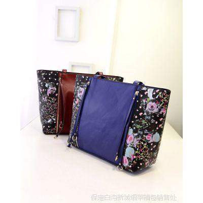 欧美时尚包 四拉链手工印花系列女包,买一送一两件套