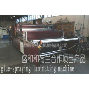 供应厂家供应 喷胶贴合机 内衣贴合机 中荷联合制造专利产品