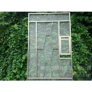 铝窗花加纱网中一款铝窗花加304网 新款铝窗花与纱窗二合为一供应,价格洽谈