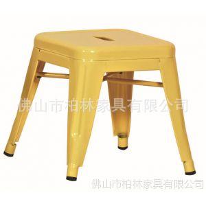 供应国外设计师设计的铁皮 金属凳 的金属凳 吧凳