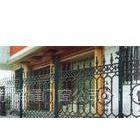 供应供应铁艺围栏、护栏、铁艺楼梯、铁艺大门制做安装