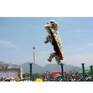 供应重庆舞狮 - 大型梅花桩表演、中华龙龙狮鼓乐艺术团
