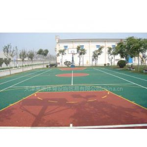 供应天津塑胶篮球场地专业设施