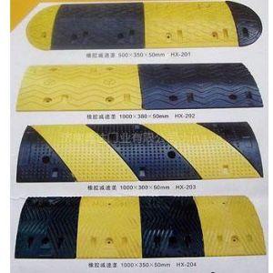 供应停车场划线-停车场设施-热熔道路标线