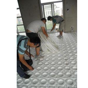 北京三叶地暖告诉您什么样的地板***适合地热采暖