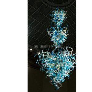 供应酒店灯饰用品、酒店大型雕塑