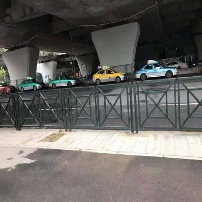 供应海口铁艺栅栏厂家,万宁市政护栏网,汕头道路锌钢护栏网