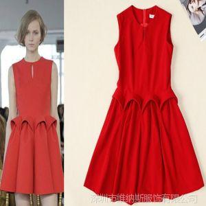 供应一件代发 欧美走秀款平绒红色秋冬连衣裙 V6041