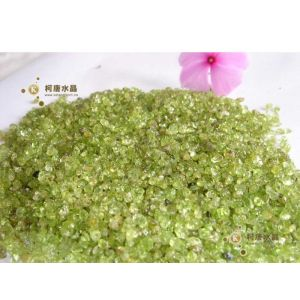 批发橄榄石小颗粒\PVC高级砂\水晶碎石装潢材料