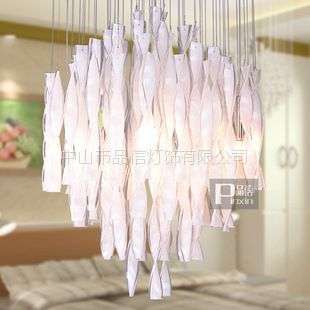 供应【品信】包邮现代创意简约扭条玻璃吊灯卧室餐厅灯具3269/6P