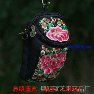 绣花手提斜挎多用手机钥匙零钱包 牡丹花藤条花民族风绣花相机包