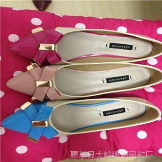 春秋新款时尚可爱花朵尖头亮皮糖果色面平跟单鞋瓢鞋平底鞋甜美潮