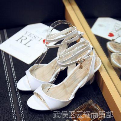 2015夏季欧洲站新款真皮女鞋 粗跟高跟鞋大码潮 休闲女式凉鞋批发