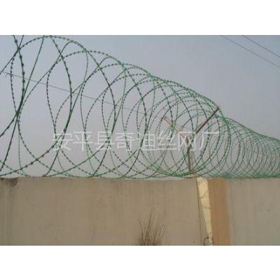 监狱网墙 不锈钢刀片刺绳多少钱一米 刀片刺绳滚笼