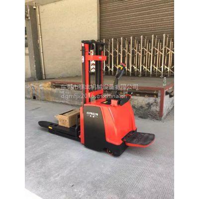1.5吨升2.5米电动叉车 欧能新款EYE1525全电动堆高机 广州站驾式液压叉车