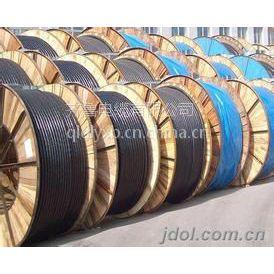 齐鲁牌铜芯聚乙烯绝缘聚乙烯护套交联电缆YJVR 5*10