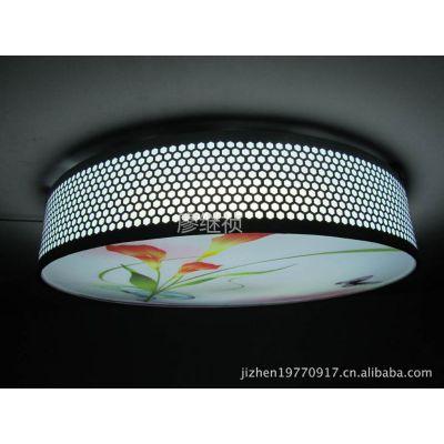 供应新款清爽简洁版现代圆形铁艺LED遥控吸顶灯 室内灯具3026