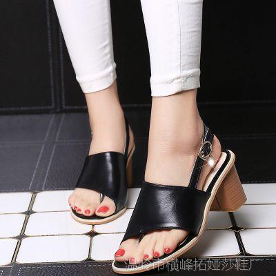 夹趾粗跟高跟黑色凉鞋夏季新款罗马大码欧美高跟夹脚趾女鞋子批发