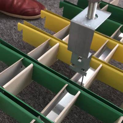 白沙生产三角形格子天花木纹格栅吊顶 铝格栅规格参数 铝格栅厂家报价