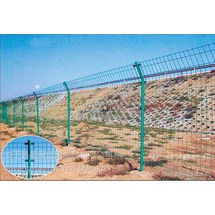 豪曼浸塑护栏网,镀锌护栏网.