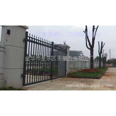 供应专业建筑围栏,专业热镀锌围栏,彩色喷塑围栏