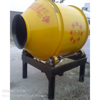 白城鑫旺600型四轮摩擦驱动小滚筒拌料机