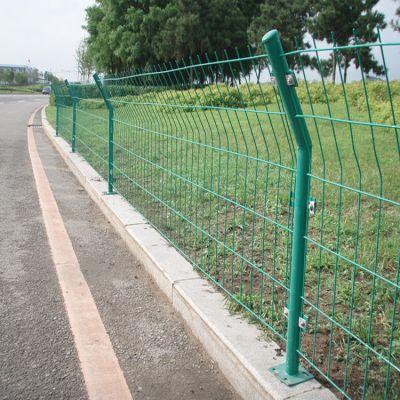 大量现货处理 高速公路护栏网 防护网定做 隔离栅双边丝护栏网加工