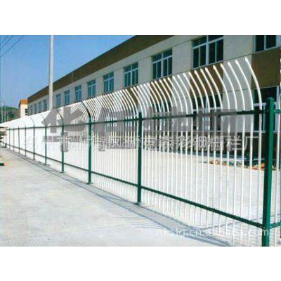 供应郑州护栏厂家专业生产的热镀锌安全护栏及楼宇护栏