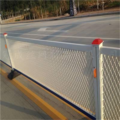 供应道路隔离网、厂区护栏网、隔离网 高档会所刀片刺网