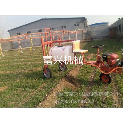 济南小麦自走式打药机 富兴牌每小时20亩全自动农田喷药车图片