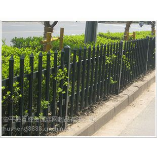 南京专用白色金属锌钢栅栏互胜厂家(草坪PVC锌钢栅栏价格)