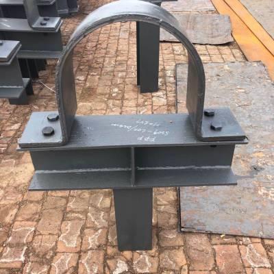 沧州齐鑫供应三孔短管夹,立管管夹,管夹支座