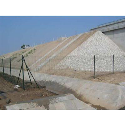 供应钢丝护栏网,铁网,波浪护栏网