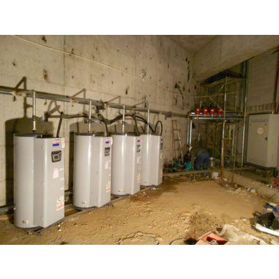 供应供应美国白浪进口电锅炉电热水器四台81KW并联供暖1
