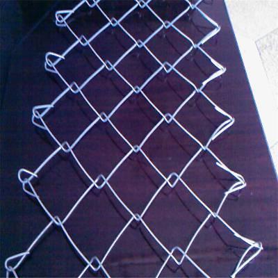 旺来新疆勾花网围栏网 体育场围栏 护栏网厂家