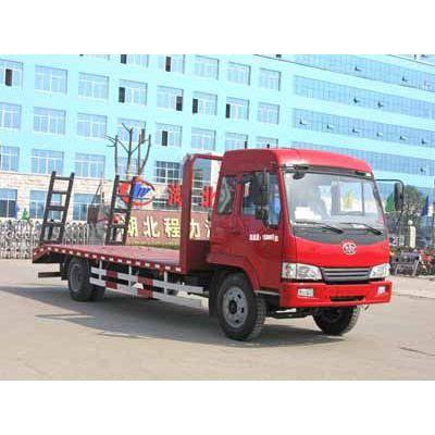 供应湖北程力专用汽车股份有限公司13908663711专业生产挖掘机运输车,东风多利卡平板车等等