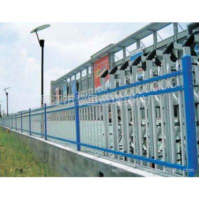 供应热镀锌喷塑护栏10平方米起订