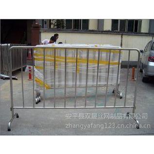 安平县移动铁马凳护栏生产厂家在哪里?
