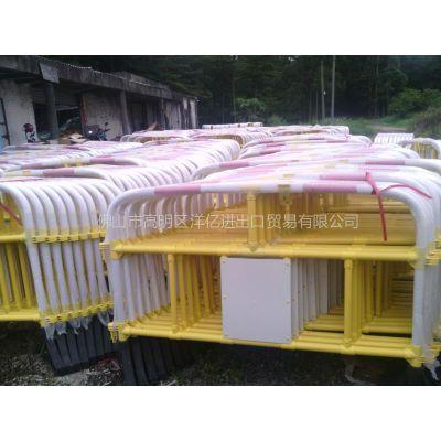 供应大量供应交通护栏 公路护栏 PVC环保工程塑料护栏 建筑护栏 隔离栏 超高性价比