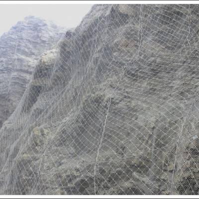 供应钢丝绳网,包塑钢丝绳网,裹塑钢丝绳网,边坡防护网,主动防护网